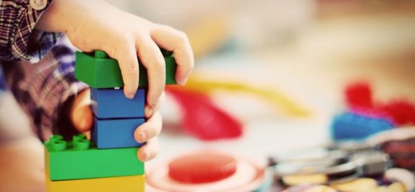 """""""Warum unser Kind nicht teilen muss und es dennoch tut"""", auf dem Krümel Blog"""