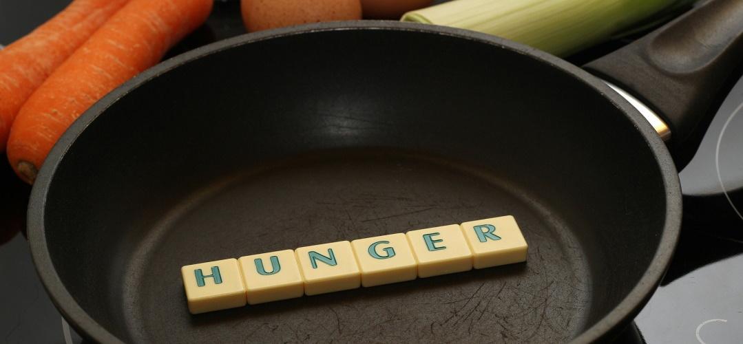 """""""Lasst uns bitte auch mal essen!"""": Warum wir Mamas so oft hungrig sind, auf dem Krümel Blog"""